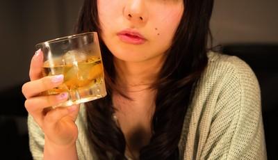 台北正妹酒吧被搭訕!美籍男邀住處喝清酒 她慘遭臉頰固定性侵