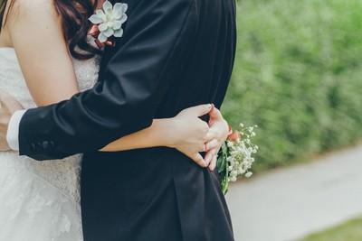 新娘找「她」出席婚禮 再聽見哥哥心跳聲…新郎感動淚崩