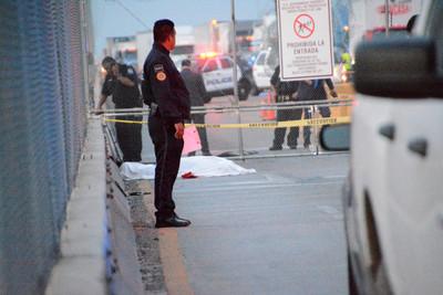 美國拒絕他庇護申請…墨西哥男橋上絕望 邊境官員面前自刎亡