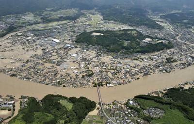 快訊/泥水灌進熊本老人院「14人心跳停止」 豪雨淹沒設施當局急搶救